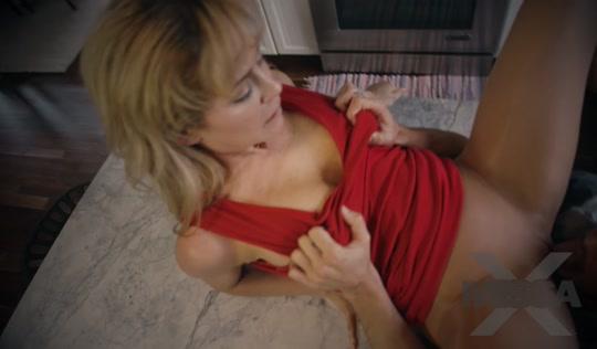Мамка возбудилась от порно и соблазнила сына на инцест