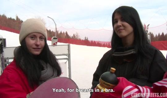 Красивое порно - Пикапер отымел девушку на зимнем горном склоне