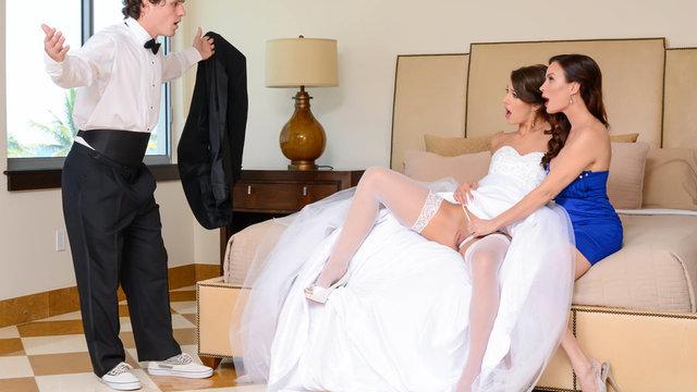Опытная дружка помогла невесте удовлетворить жениха